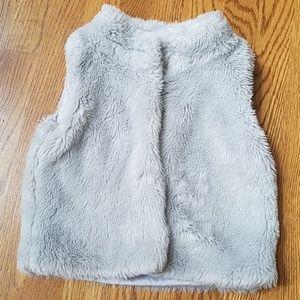 Carter's furry Vest Sz 6